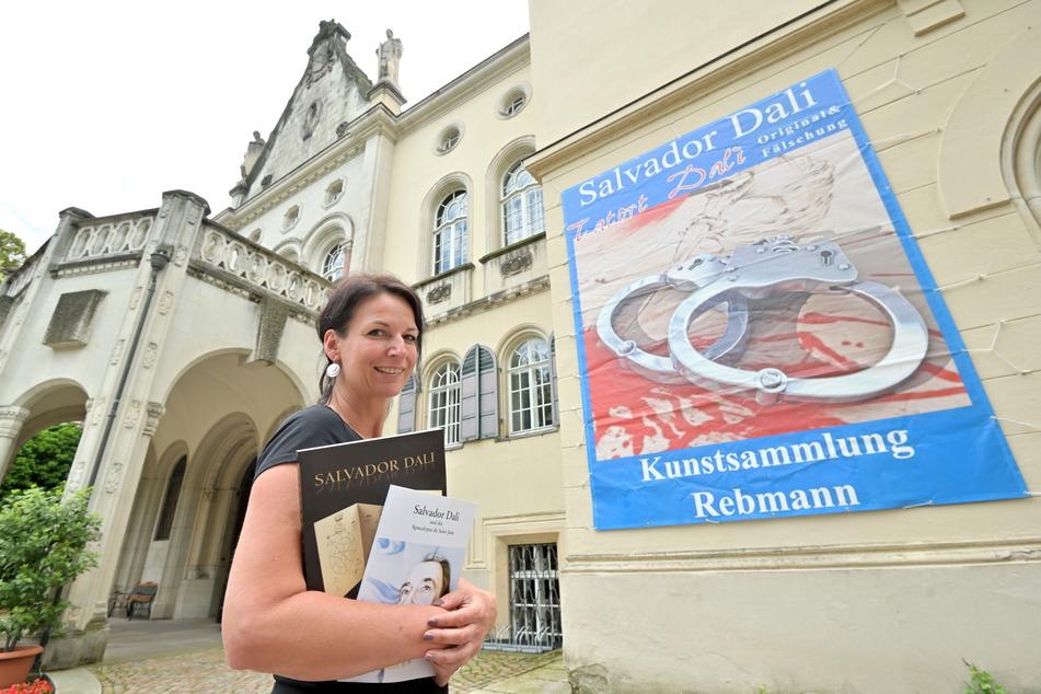 """Marketingleiterin Anja Straube lädt zum """"Tatort Dalí"""" auf Schloss Waldenburg ein."""