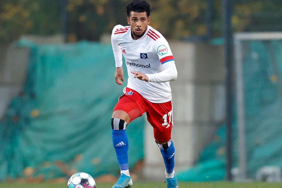 Ex-HSV-Spieler Xavier Amaechi (20) ist einer von zwei weiteren Spielern, die sich beim Karlsruher SC mit Corona infiziert haben. (Archivfoto)
