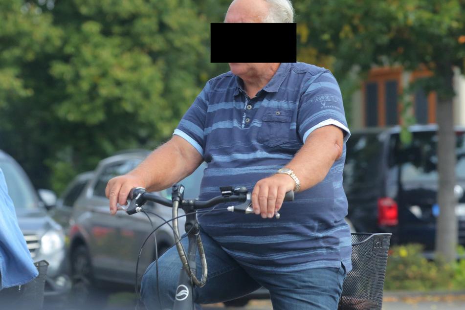 Seit dem Vorfall im Mai ist Horst Arndt S. (73) nur noch mit dem Rad unterwegs. So kam er auch ins Amtsgericht Riesa.
