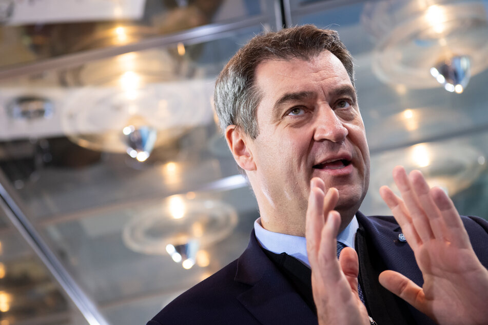 Markus Söder (CSU), Ministerpräsident von Bayern, nimmt nach einer Sitzung des bayerischen Kabinetts an einer Pressekonferenz teil.