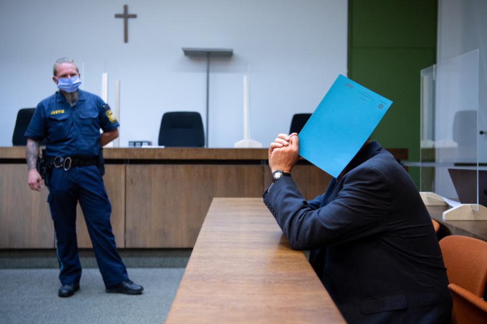Polizist missbrauchte über Jahre Kinder und Jugendliche: Urteil gefallen!