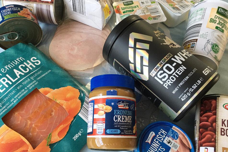 Ob Proteinpulver, Lachs oder Kidney-Bohnen: Eiweißquellen gibt es viele.