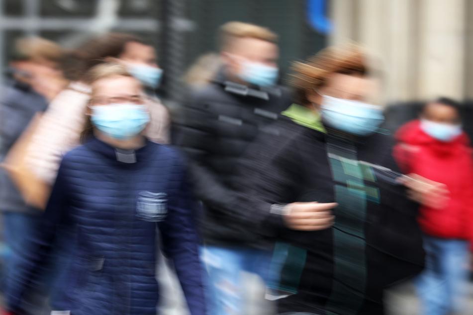 Die Maskenpflicht wird in Berlin ausgeweitet.