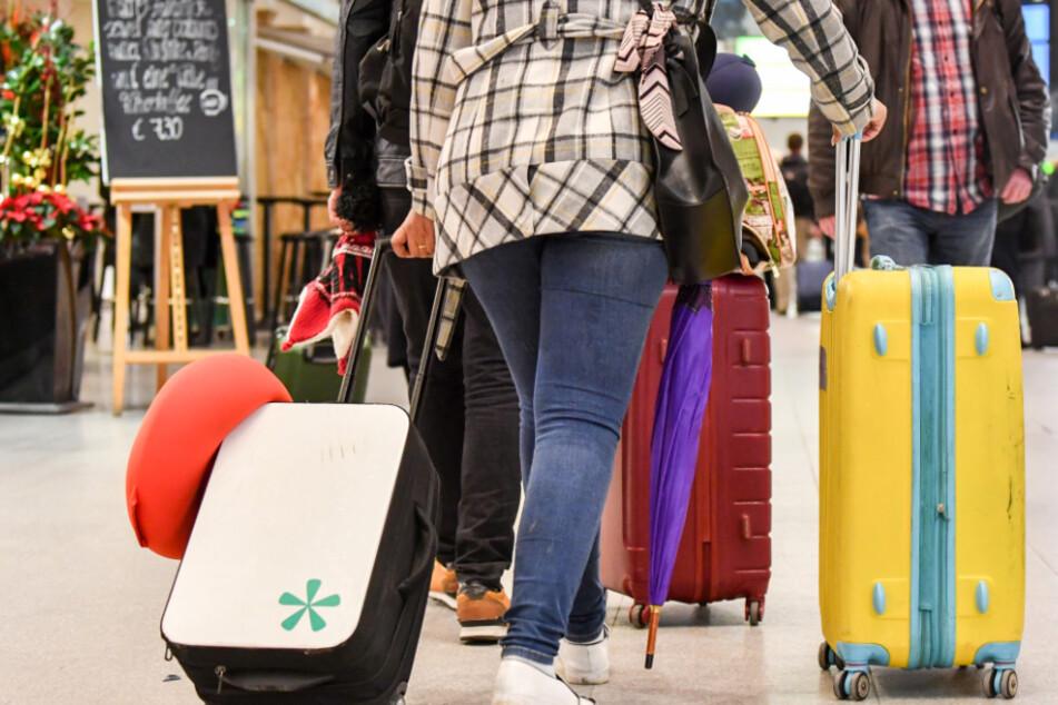 Die Regionalflughäfen in Bayern und Baden-Württemberg erwarten wegen der Corona-Krise deutlich weniger Fluggäste bis zum Jahresende.