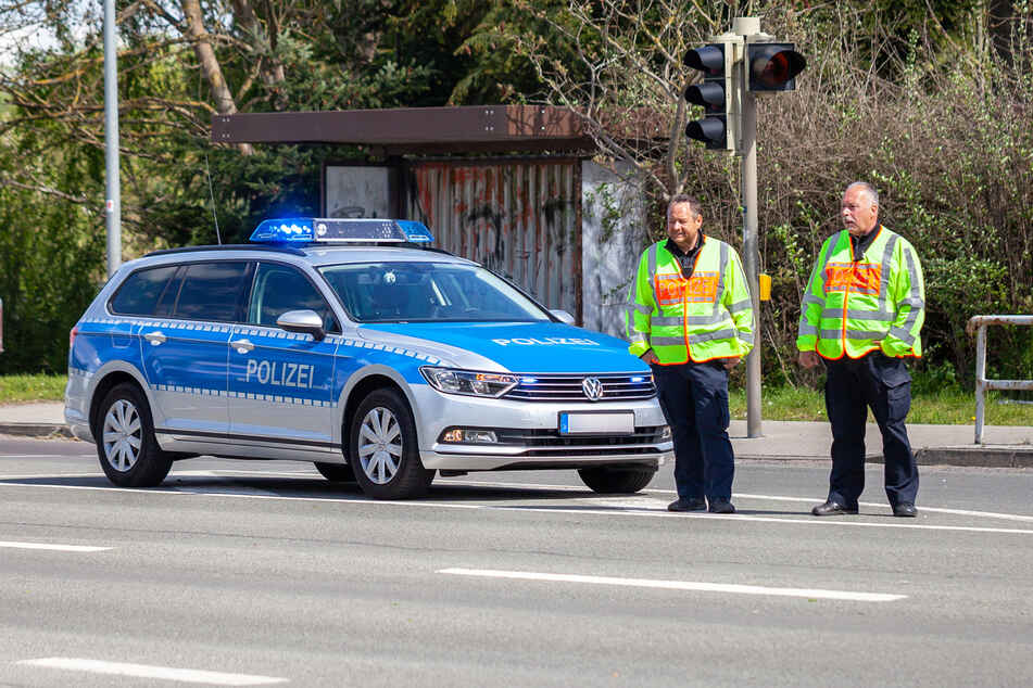 Die Polizei musste in Gelsenkirchen einen irren Streit um eine Zapfsäule schlichten (Symbolbild).
