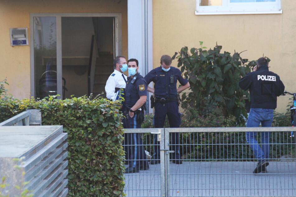 Die Polizei fand in der Wohnung die getötete Ehefrau des 55-Jährigen.