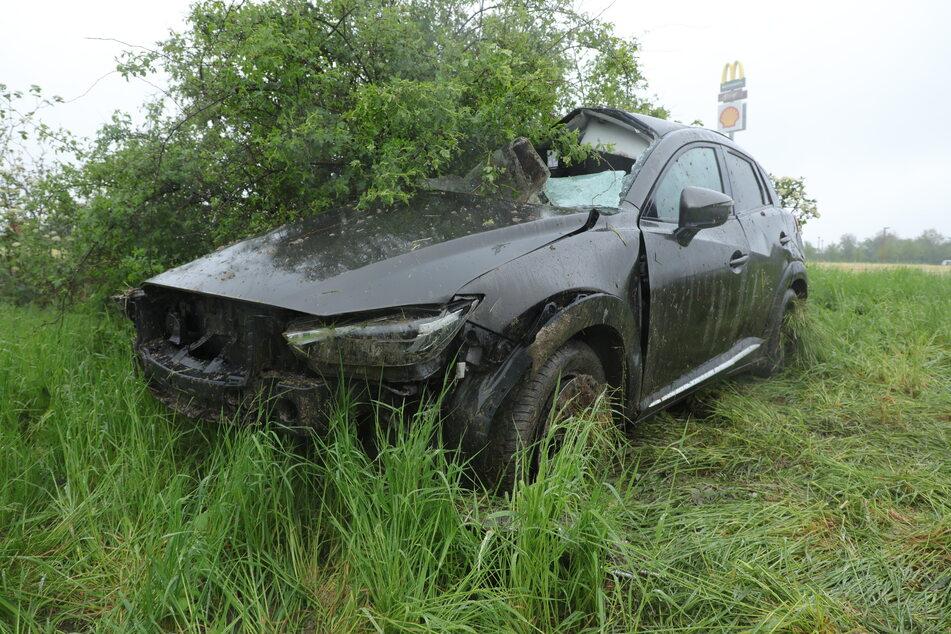 Der Mazda erlitt durch den Crash einen Totalschaden.