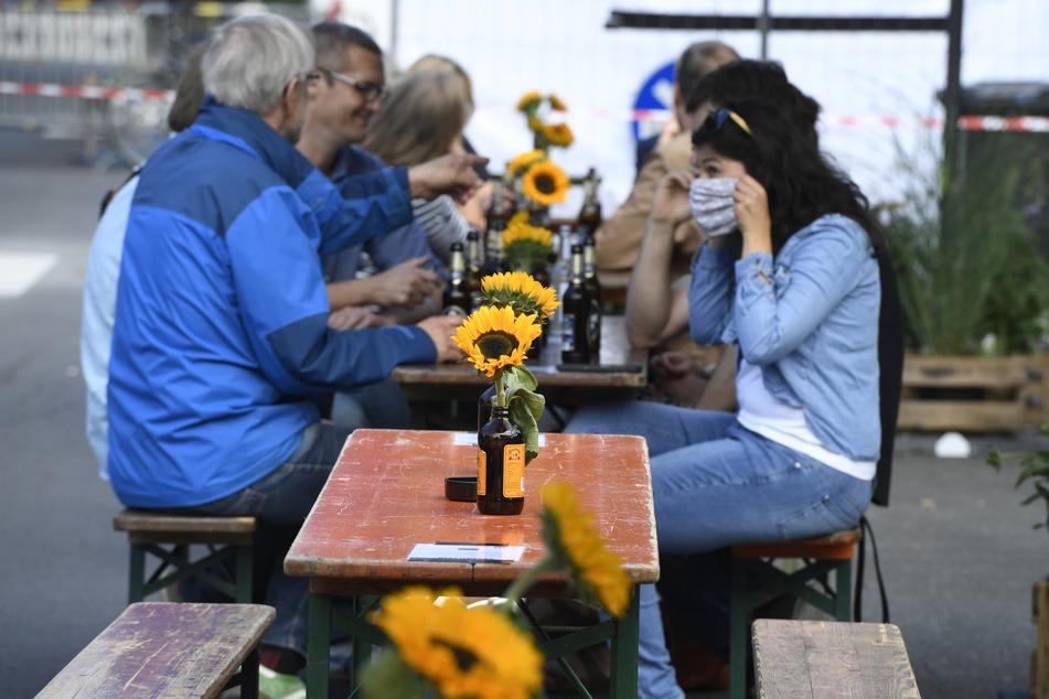 Köln plant wegen Corona mit Heizpilzen und Pop-up-Biergärten