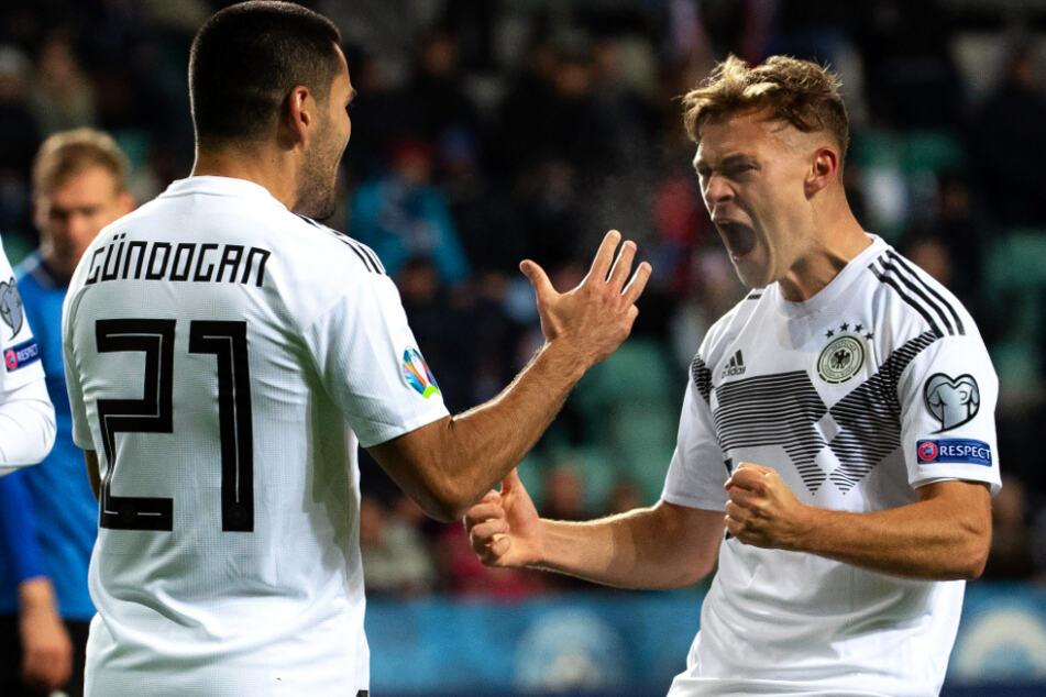 Joshua Kimmich (25) absolvierte in der vergangenen Saison 59 Pflichtspiele. Auf ihn kann und will weder der FC Bayern, noch die DFB-Auswahl in entscheidenden Spielen verzichten. Ob diese Belastung auf Dauer gut ist, darf stark angezweifelt werden.