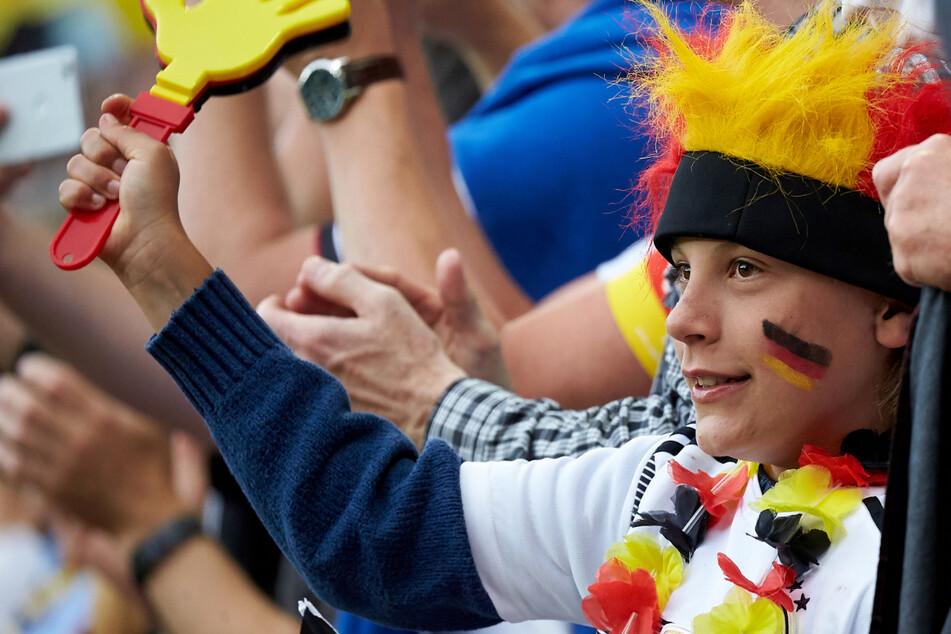 """EM-Spiele mit Fans """"könnten uns eine gewisse Normalität zurückgeben"""", ist sich DFB-Organisationschef Philipp Lahm (37) sicher. (Archivbild)"""