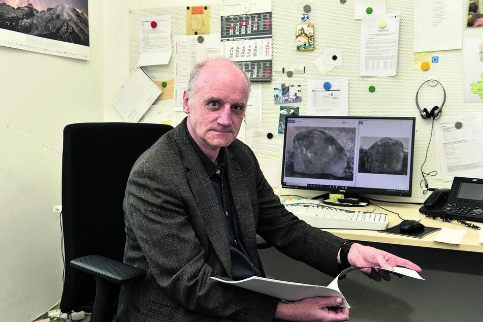 Christoph Heiermann (60) vom Landesamt für Archäologie schickt seine Forscher auf das historische Handwerker-Areal.