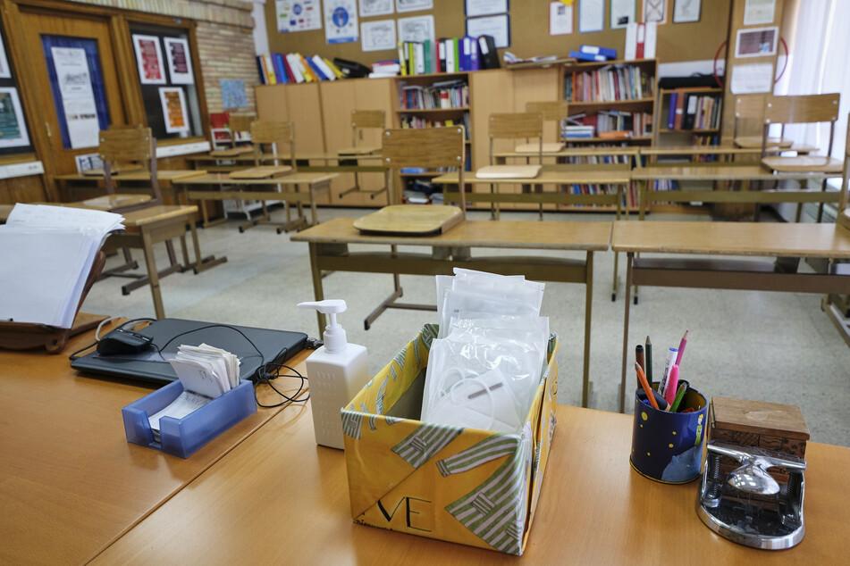 Litauen hat in der Corona-Krise mit der schrittweisen Öffnung der Schulen begonnen. In dem baltischen EU-Land durften am Montag auf Beschluss der Regierung die Grundschulen wieder öffnen. (Symbolbild).