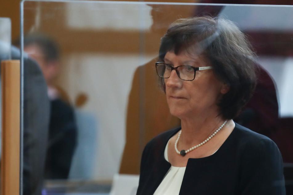 Die Witwe von Walter Lübcke, Irmgard Braun-Lübcke, im August 2020 im Saal des Frankfurter OLG.