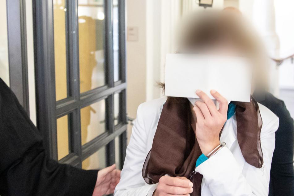 Der Prozess um den Tod eines Neugeborenen in Regensburg steht vor dem Abschluss: Angeklagt ist die Mutter (25) des Kindes.
