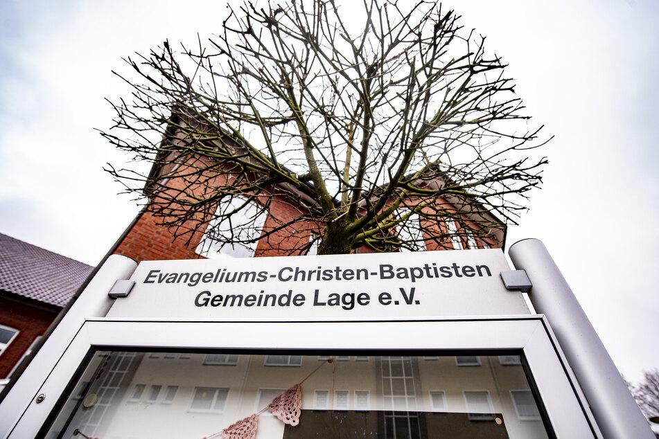 Nach einem massiven Corona-Ausbruch in einer Baptistengemeinde in Lage (Kreis Lippe) ist die Zahl der nachgewiesenen Infektionen auf 120 geklettert.