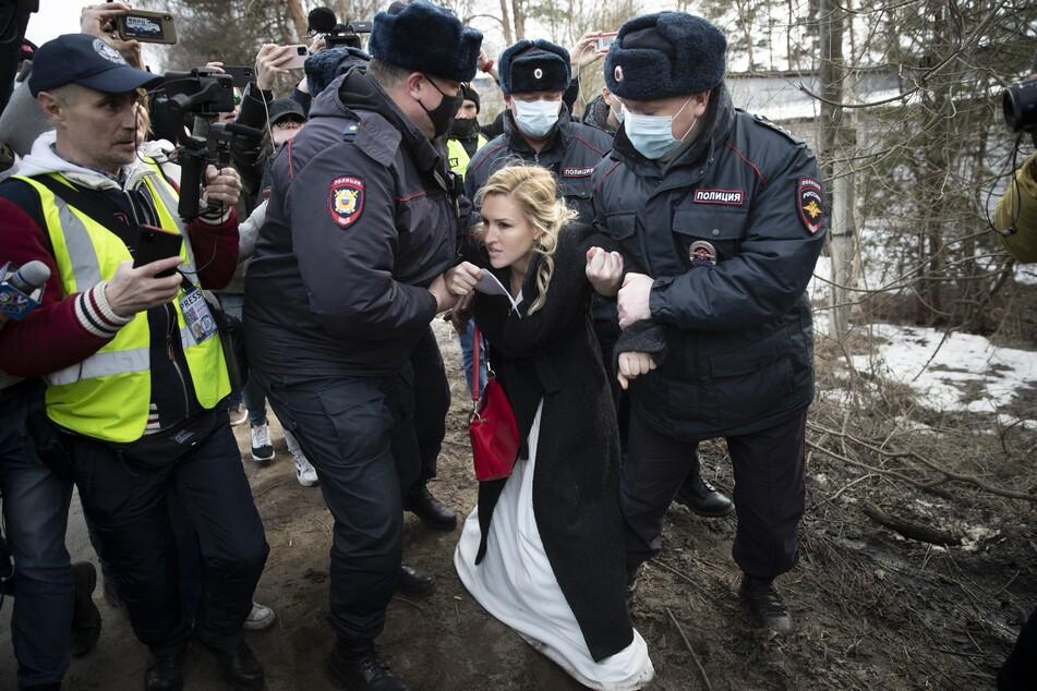 Die Ärztin Anastassija Wassiljewa versuchte vor Kurzem, Zutritt zu dem Straflager zu bekommen, in dem Alexej Nawalny festsitzt. Dabei hatte sie aber keinen Erfolg.