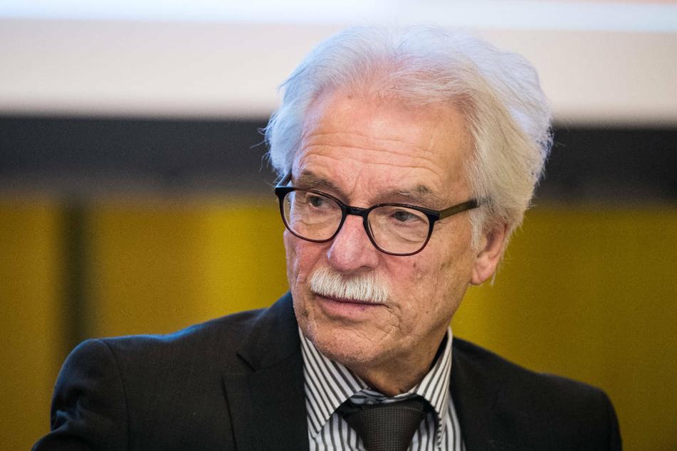Rolf Kahnt (76) ist ein halbes Jahr nach seinem Ausschluss aus der AfD-Fraktion im hessischen Landtag aus der Partei ausgetreten.
