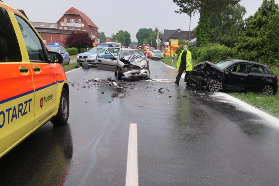 Der Opel-Fahrer geriet auf die Gegenfahrbahn, wo er mit einem Audi zusammen krachte.