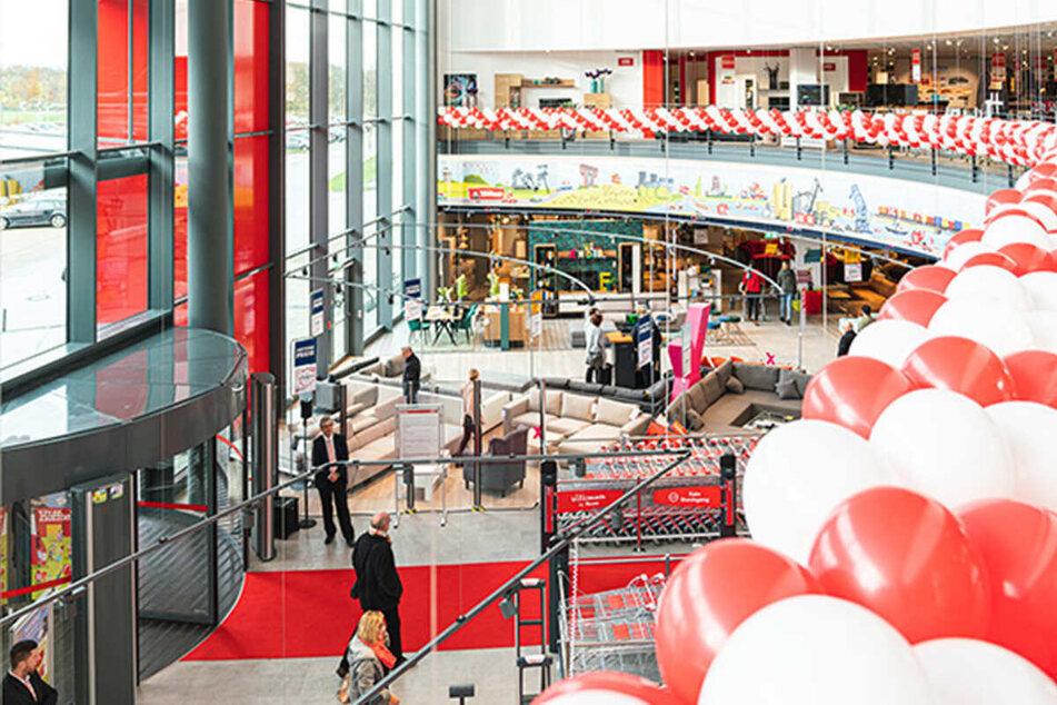 Höffner startet bis Samstag (24.4.) Küchenhausmesse und gibt hohe Rabatte