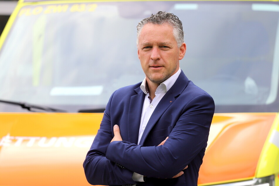 Carsten Michaelis (48) vom Landkreis rechnet in den Flutgebieten mit Einsatzzeiten von bis zu 48 Stunden für die Hilfskräfte aus Zwickau.