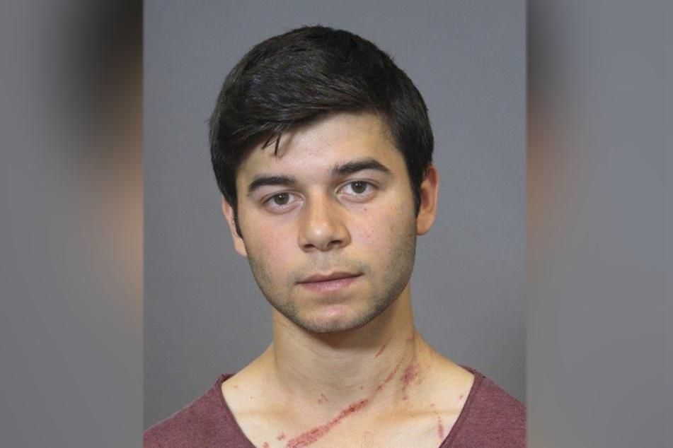 Farhad A.: Er soll an der Messerstecherei beteiligt gewesen sein, ist weiterhin auf der Flucht.