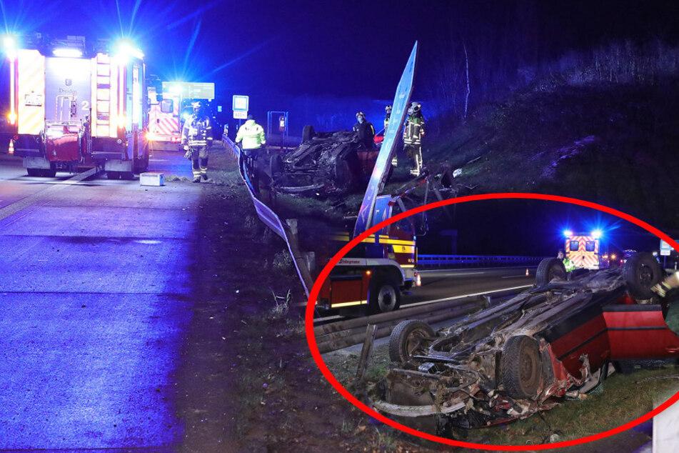 Unfall auf der A4: VW schießt über Leitplanke und landet auf dem Dach
