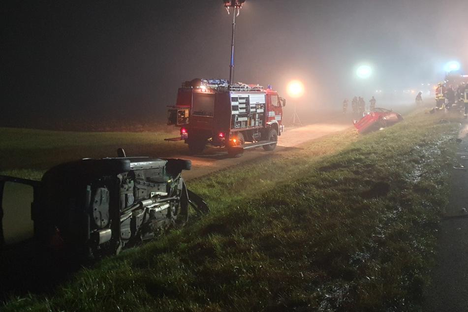 Gegen 21.30 Uhr kam es ersten Informationen zufolge zu einem Frontal-Zusammenstoß auf der B16.