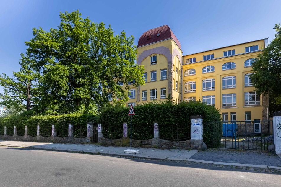 In der früheren Papierfabrik beim Schlossteich soll ein privates Gymnasium entstehen.