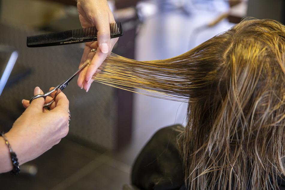 Riesen-Ansturm auf Termine: Friseure zwischen Erleichterung und Zukunftssorgen