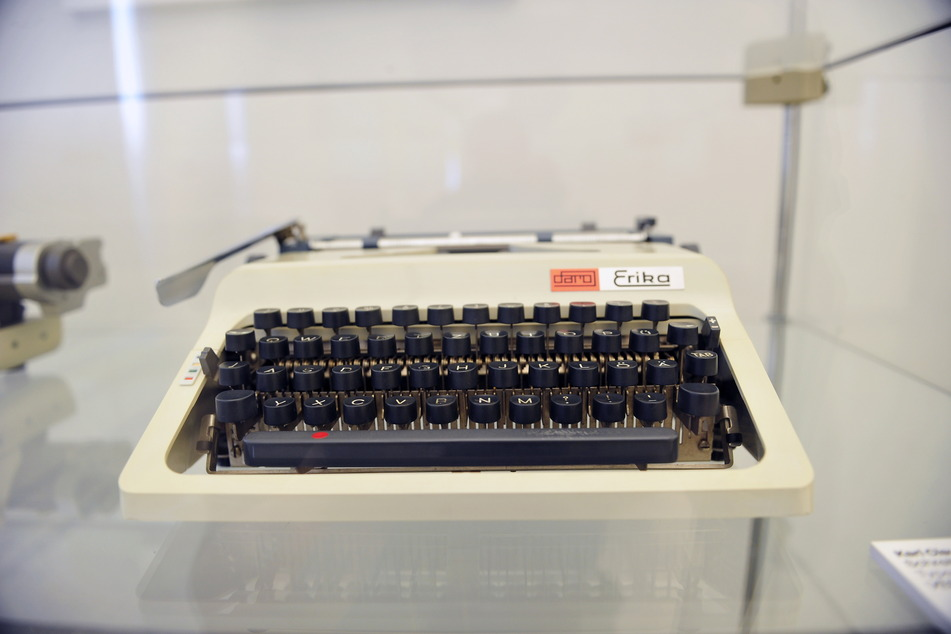 """Mit einer Schreibmaschine Geschichte schreiben: Das Modell """"Erika"""" war eines der größten Erfolge von Dietel."""