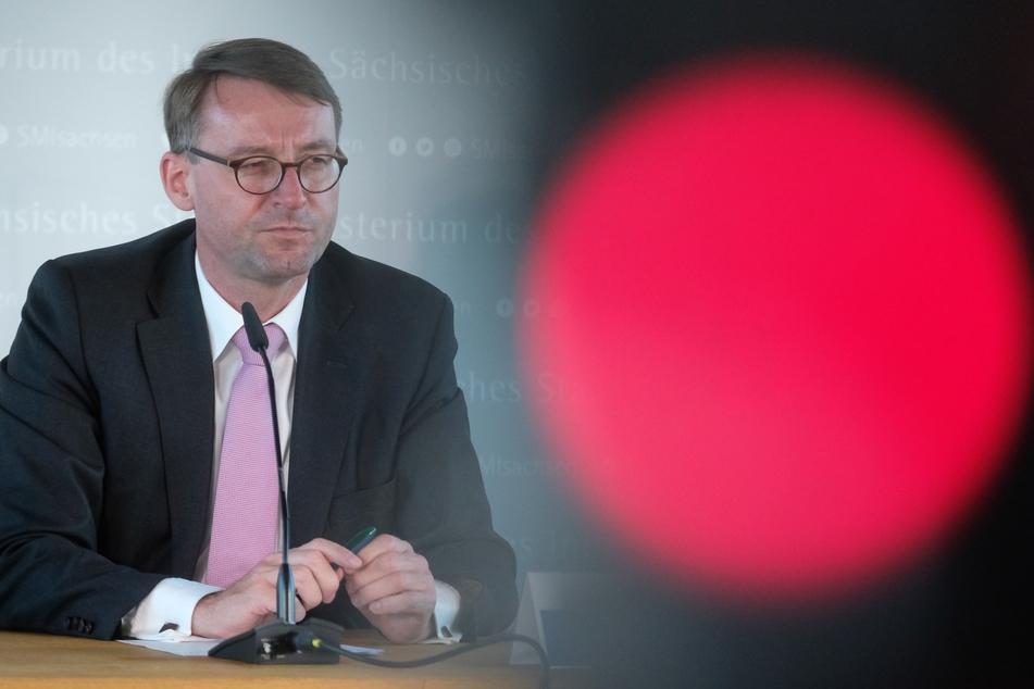 Sachsens Innenminister Roland Wöller (CDU) steht aktuell schwer in der Kritik.