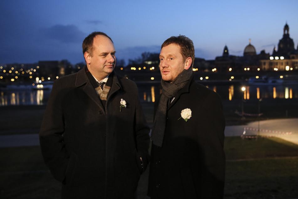 Dresdens OB Dirk Hilbert (49, FDP, l) und MP Michael Kretschmer (45, CDU) werden am 13. Februar auf dem Altmarkt weiße Rosen niederlegen und kurze Reden halten.