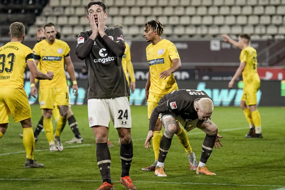 Kein Glück: St. Paulis-Stürmer Borys Taschchy (l.) und Simon Makienok ärgern sich über eine vergebene Chance.