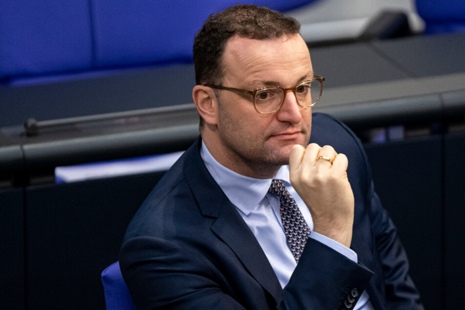 Jens Spahn homophob beleidigt: Corona-Gegner kassiert saftige Strafe