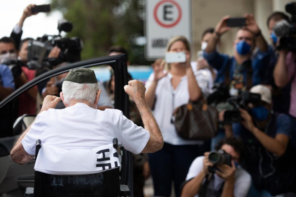 Der 99-Jährige ist nach Angaben des brasilianischen Gesundheitsministeriums der bisher älteste Brasilianer, der sich von einer Coronavirus-Infektion erholt hat.
