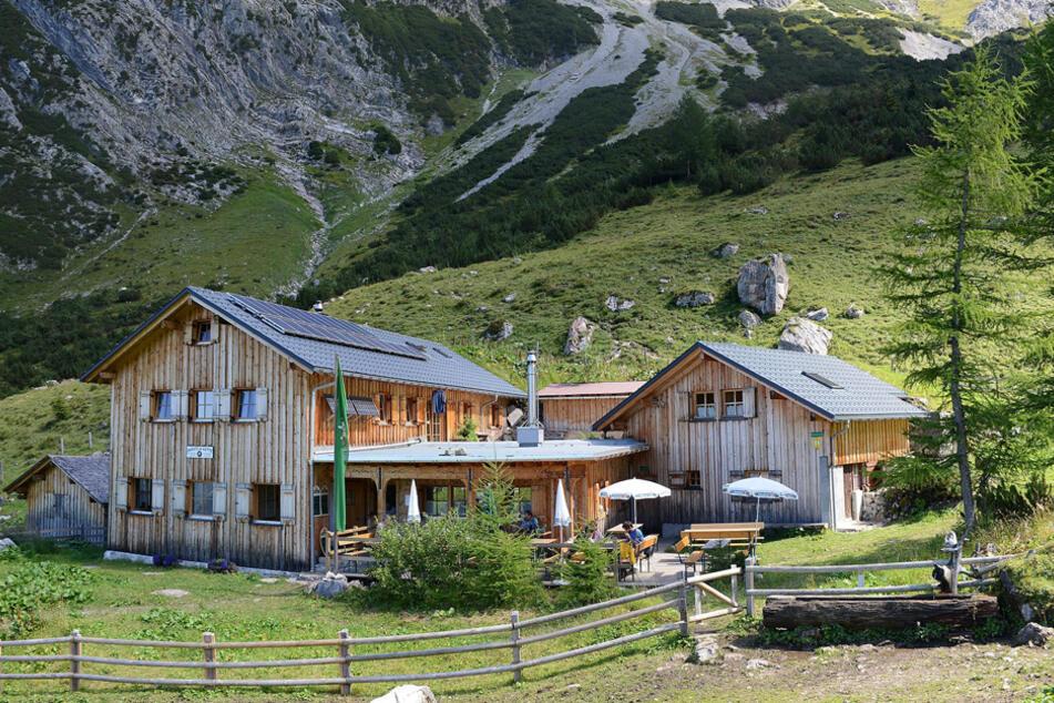 Mann wollte Ofen anheizen: Alpenverein entdeckt seine gefrorene Leiche in Berghütte