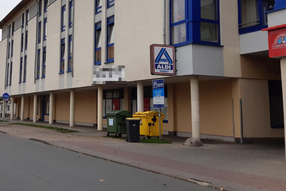 In diesem Aldi-Supermarkt in Leipzig ist am Freitag eine Kassiererin überfallen worden.