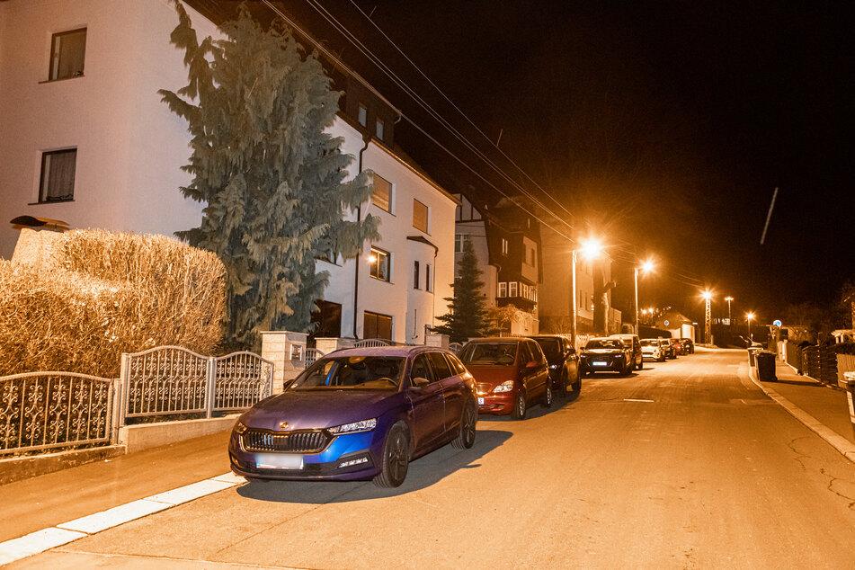 Etliche Einwohner aus Chemnitz-Einsiedel müssen am Donnerstagvormittag ihre Wohnungen verlassen.