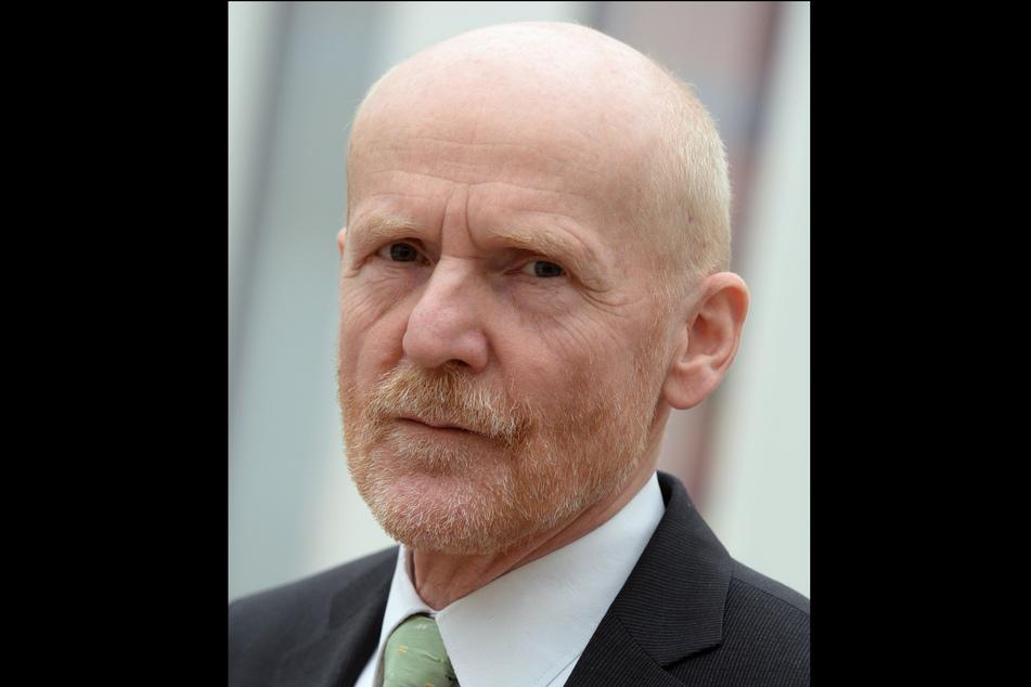 Wenn schon Sonntagsöffnungen, dann nur zur unmittelbaren Fest-Unterstützung, fordert Gewerkschafter Jörg Lauenroth-Mago (64).