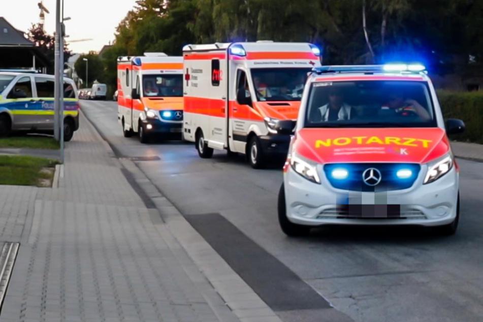 Polizei und Rettungskräfte vor der JVA Wiesbaden.