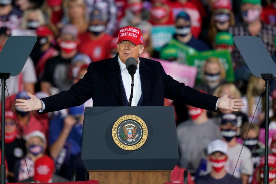 Trump in Des Moines, Iowa: Ist der Präsident mit seinem neuesten Scherz unter die Gürtellinie gegangen?