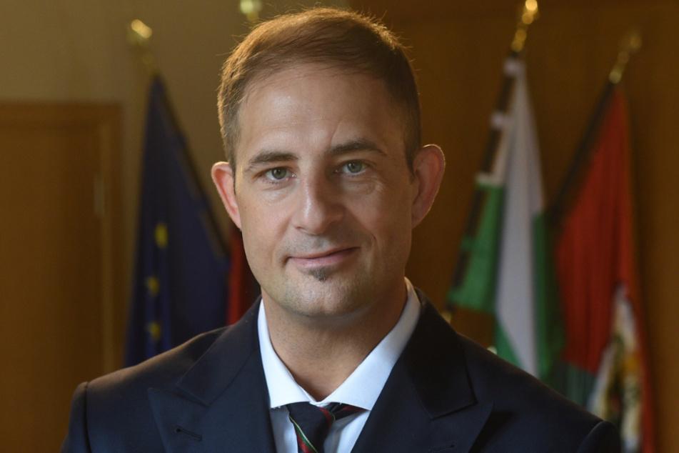 Bürgermeister Jesko Vogel (46, Freie Wähler) jagt die Täter mit einem Kopfgeld.