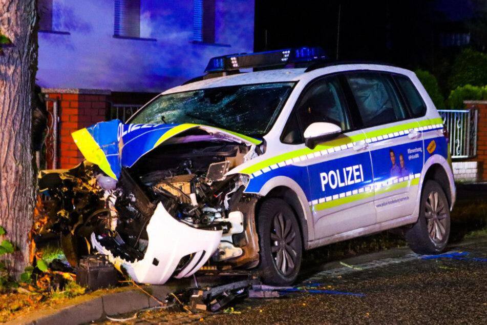 Der Polizeiwagen war gerade auf dem Weg zu einem Einbruch.