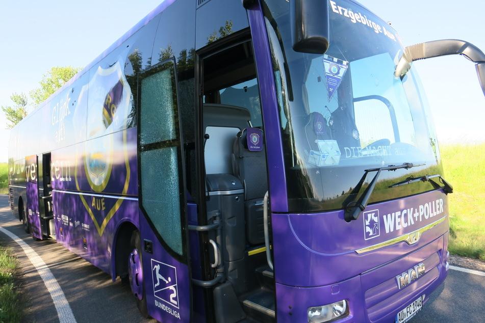 Aue-Mannschaftsbus in Unfall verwickelt: Wird das Auswärtsspiel verlegt?