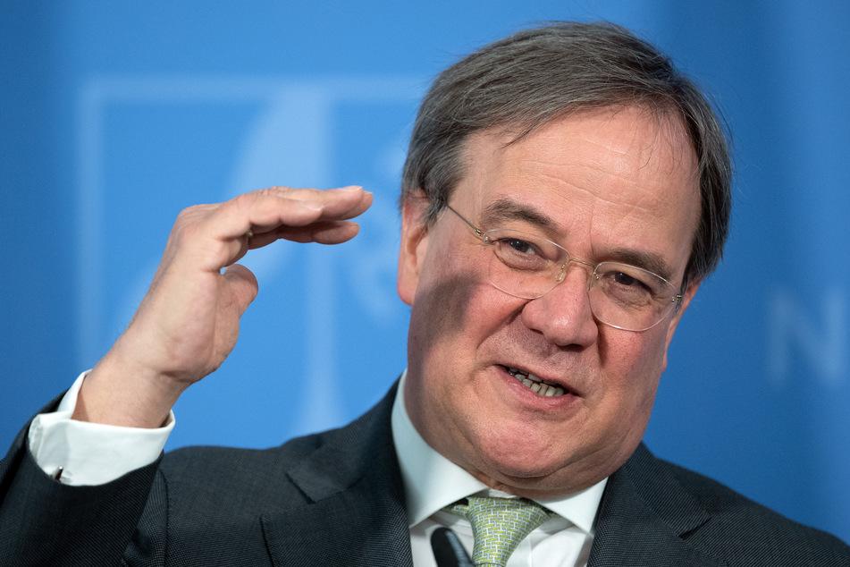 Armin Laschet (CDU), Ministerpräsident von Nordrhein-Westfalen, spricht während einer Pressekonferenz.