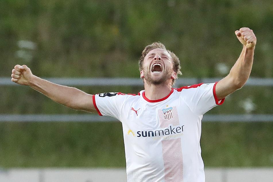 Zwickaus Mike Könnecke (32) nach seinem Treffer zum 2:1 im Vorjahr gegen Chemnitz. Das war der Klassenerhalt.