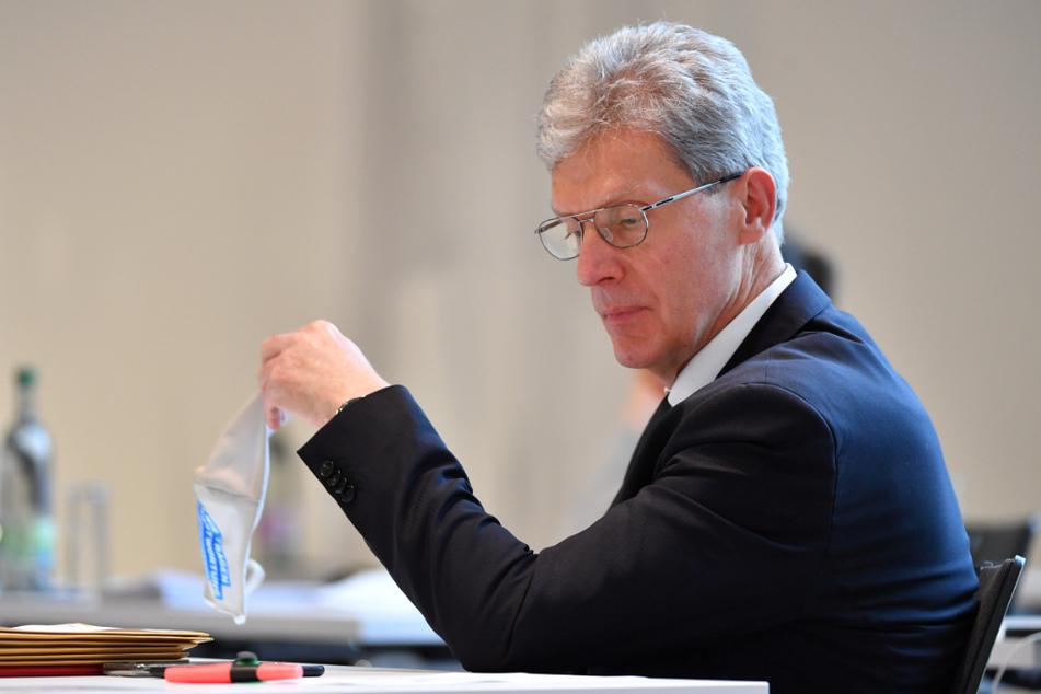 Thüringens Bildungsminister Helmut Holter (67, Linke) hat für die Zeit nach dem Lockdown Wechselunterricht vorgeschlagen.
