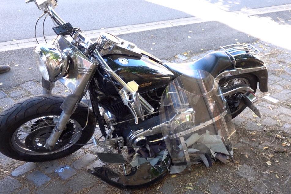 Beim Zusammenstoß zweier Motorräder mit einem SUV wurden im Harz zwei Menschen verletzt.