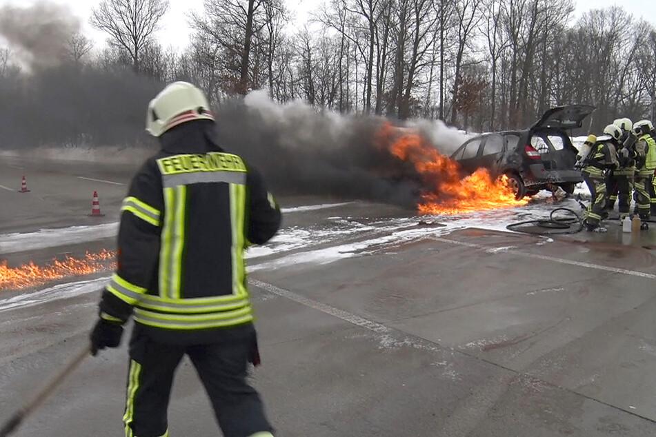 Chaos auf A4: Renault gerät in Flammen, Stau Richtung Chemnitz