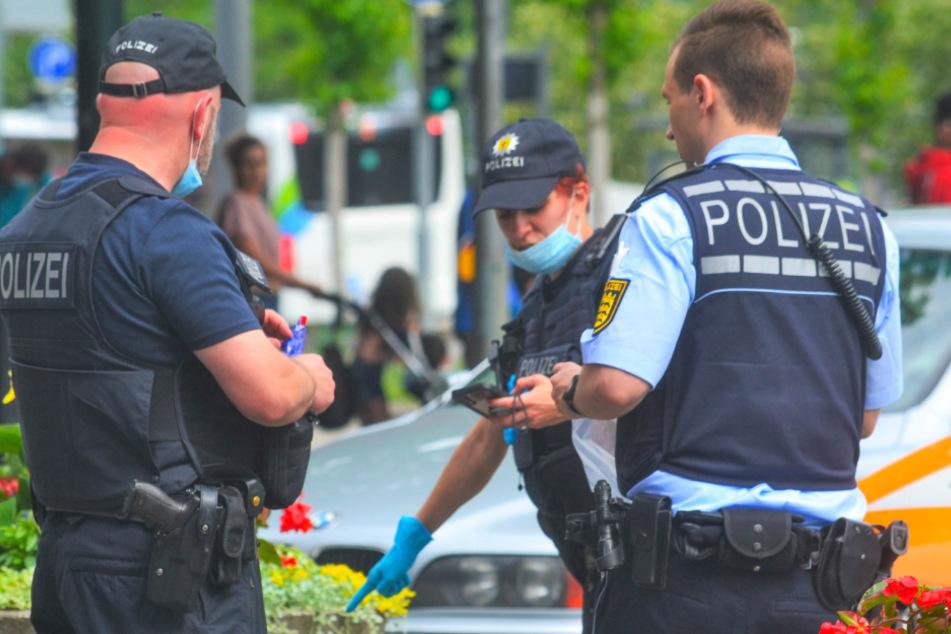 Polizisten am Einsatzort.